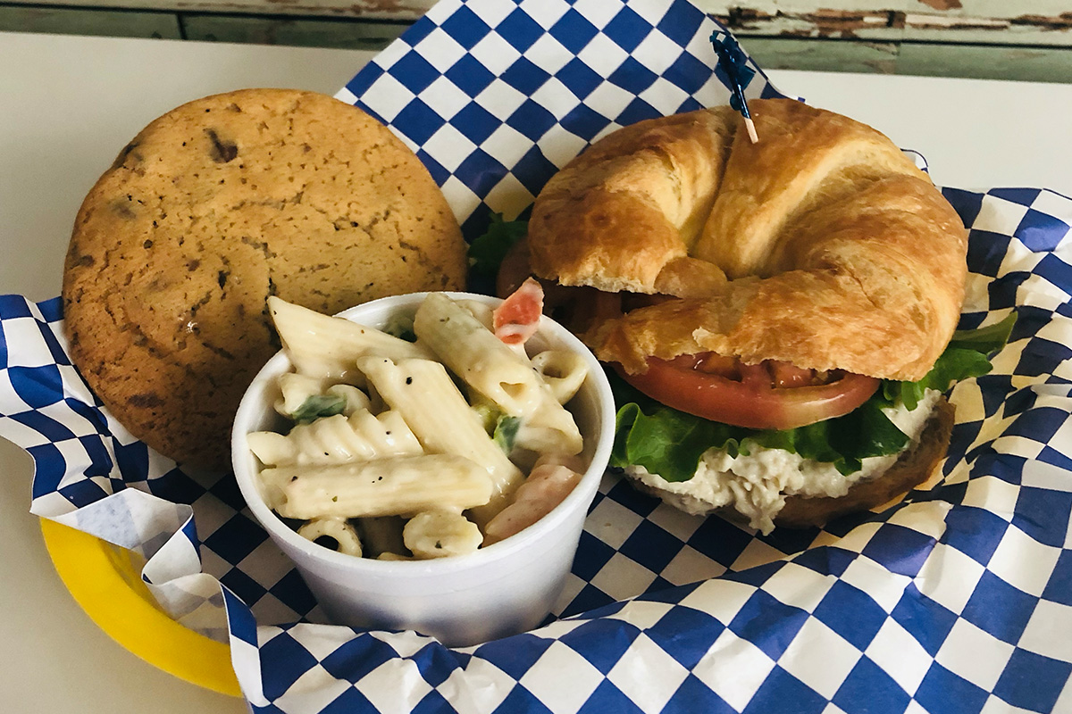 Blue-Rooster-bakeshop-eatery-lawrenceville-ga-featured-photos-7